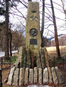 Lossen-Denkmal im Eingang zum Thumkuhlental bei Wernigerode